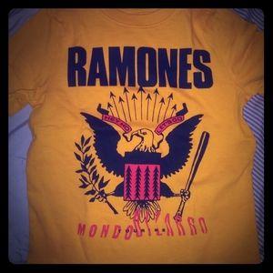 RAMONES T SOLD